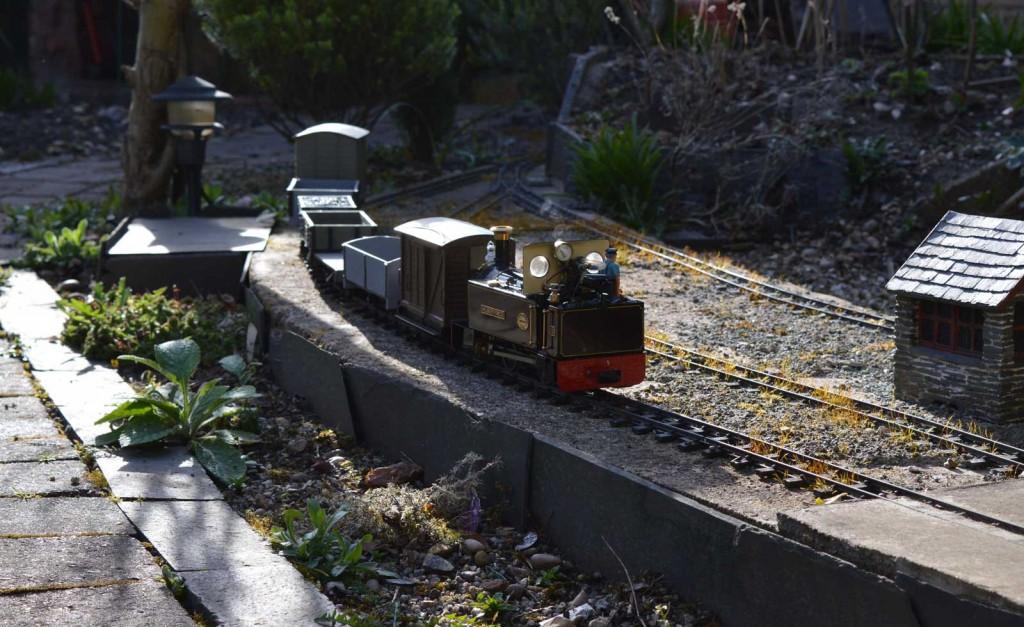 Drifting through Hendre on a short goods train.